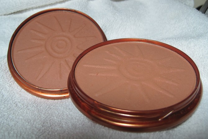 rimmel natural bronzer sun bronze l sun light r. Black Bedroom Furniture Sets. Home Design Ideas